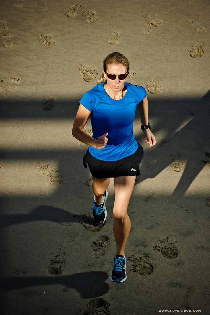 Runner Stephanie Hocom running. Aptos, CA